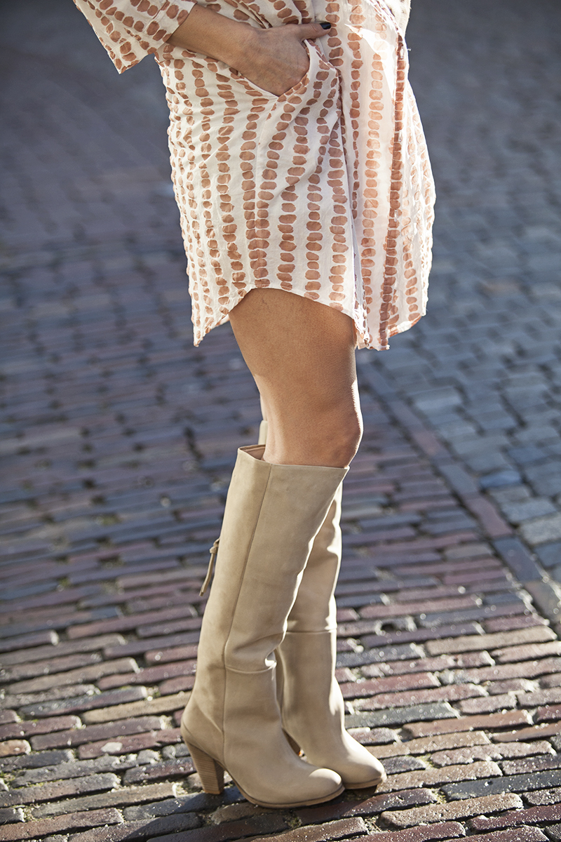 streetstyle 2015 neutrals shirt dress Humanoid tall nude boots BlogForShops
