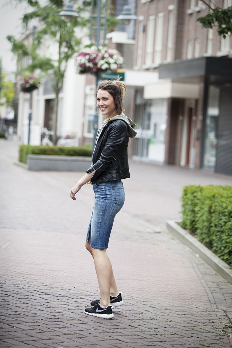 streestyle snap summer 2015 how to wear a denim pencil skirt by BlogForShops
