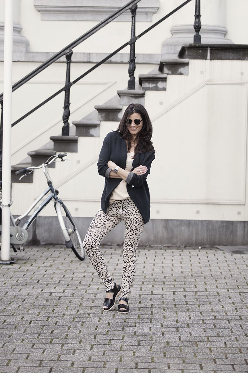 streetstyle 2015 leggings bio sandals boyfriend blazer relax fit and easy wear BlogForShops Sabrina wearing Ruby Tuesday