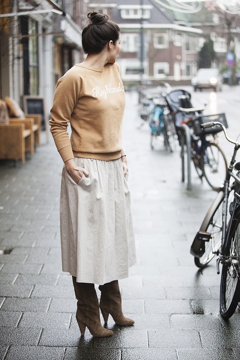 streetstyle look spring 2016 BlogForshops sabrina wearing Isabel Marant Highlands sweater How to wear a midi skirt this spring