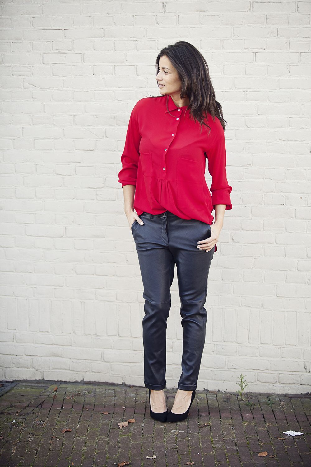 BlogForShops streetstyle look a pop of red, black leather relaxed fit trousers fall winter 2014