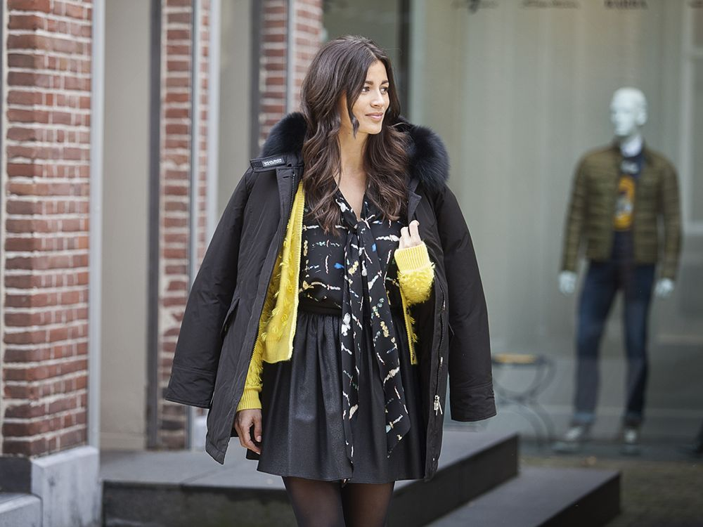 Streetststyle fall 2014 yellow skaterskirt Woolrich coat BlogForShops