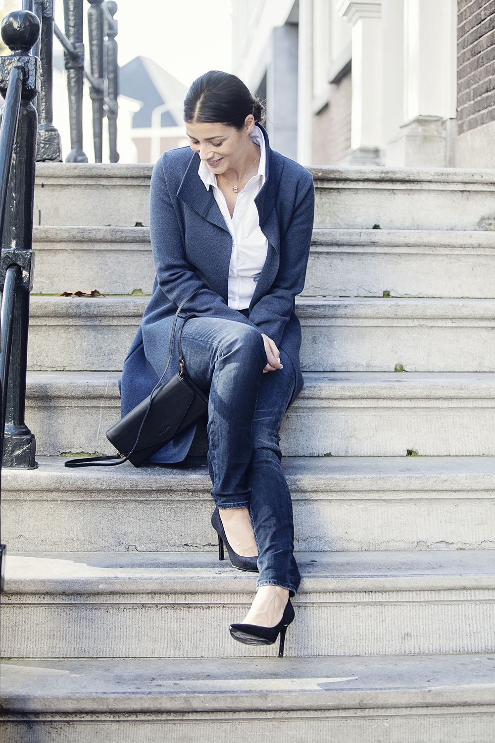 Streetstyle look navy blue white shirt fall 2014 BlogForShops
