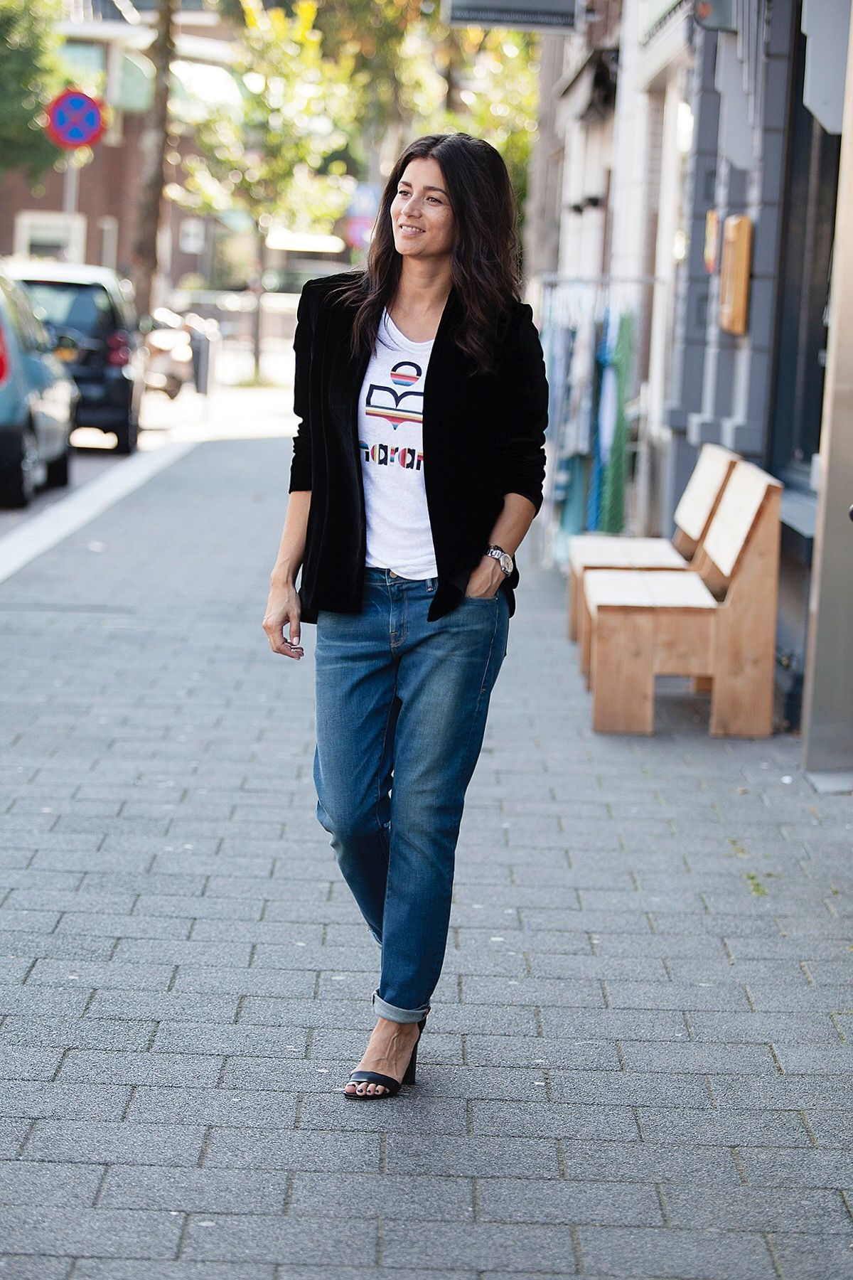 streetstyle fall 2016 masscob black velvet blazer, Isabel Marant linen top, Frame denim BlogForshops for Misses Breda